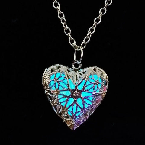Glowing heart necklace