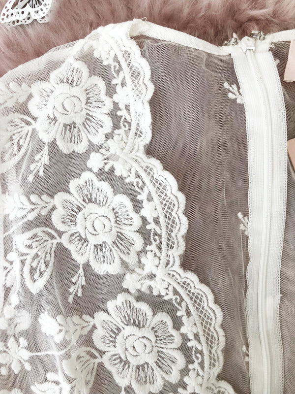 Belle Lace Bodysuit White