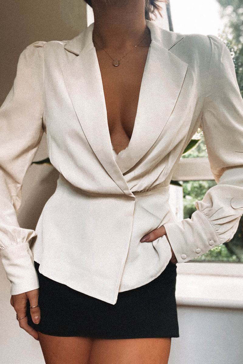 Cara Blazer Top Cream