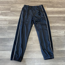 Load image into Gallery viewer, Nike SB Track Pant Blk