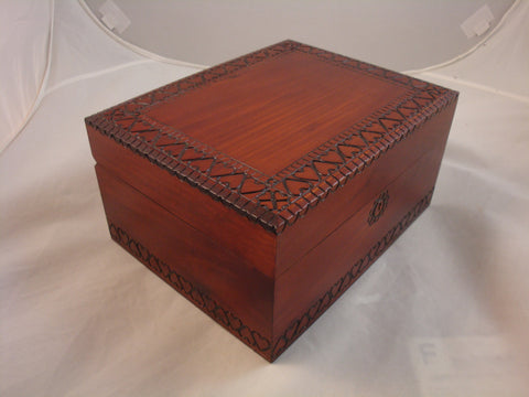Large Oak Arts and Crafts-style Lock and Key Box