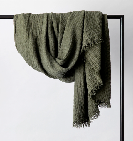 Cultiver Estela Linen Waffle Throw - Forest
