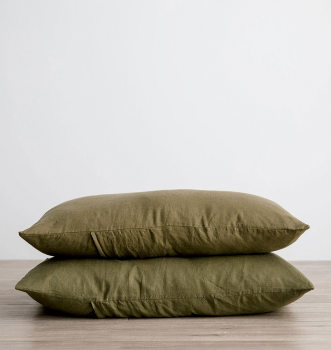 Cultiver Set of 2 Linen Pillowcases - Olive