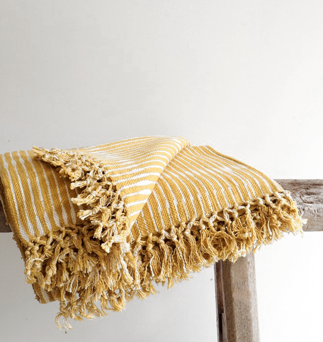Dabu Wheat Throw