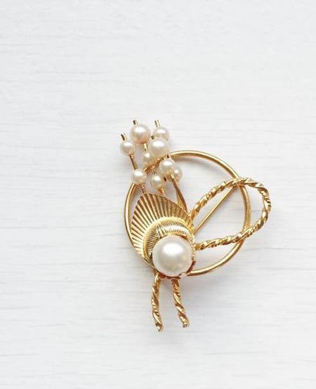 1950s Vintage Pearls and Gold Leaf Brooch