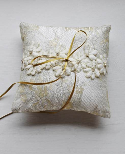 Floral Embroidery Ring Pillow in Gold and Silver