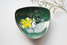 Vintage 1960s handpainted lacquered bronze ring dish
