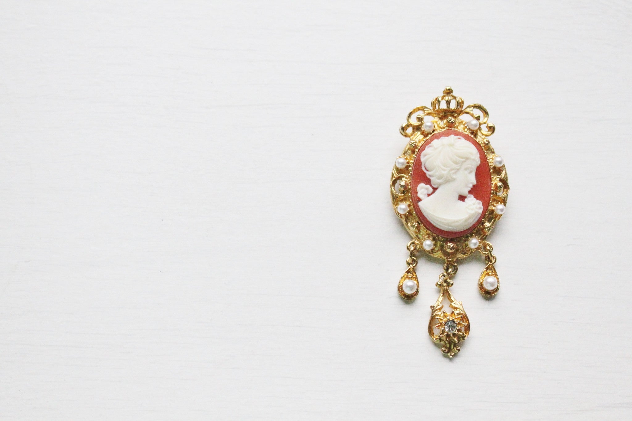 1950s Portrait of a Lady Victorian Style Cameo Brooch