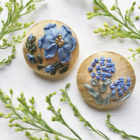 Mother daughter silk ribbon embroidery button brooches in blue and gold