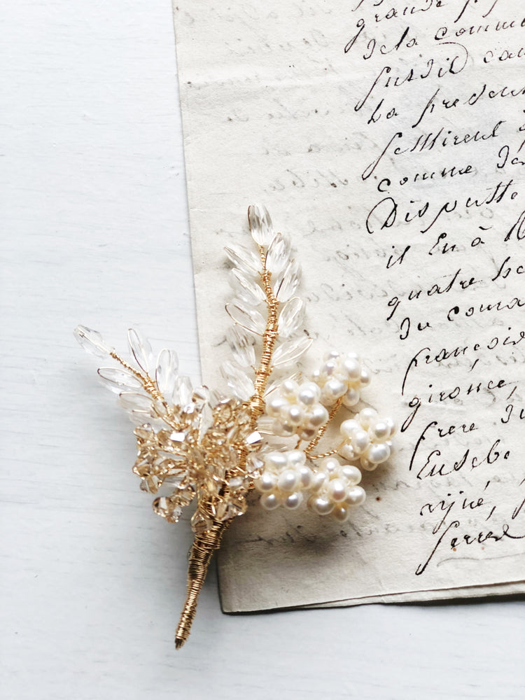 Wheat and hydrangea floral brooch in white frost and gold