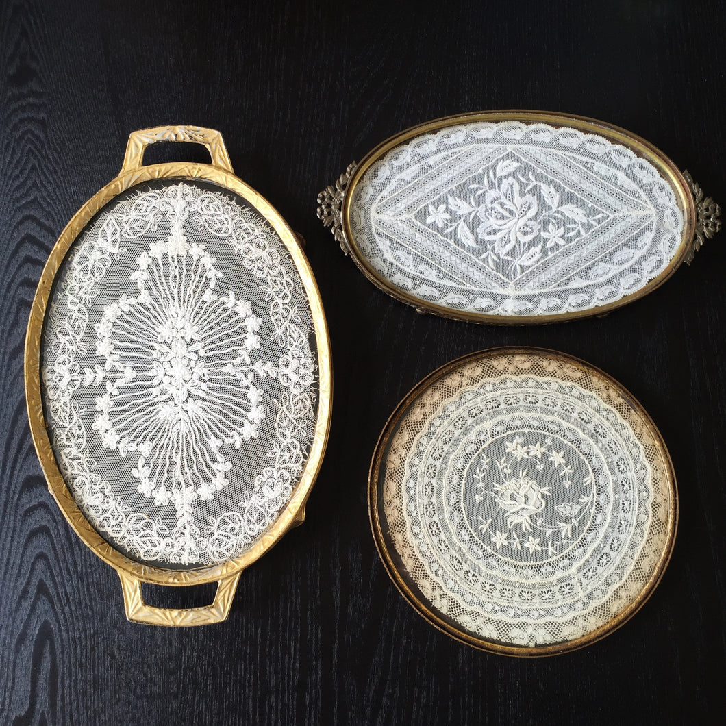 Antique vanity tray with lace insert -  1920s 1940s Vintage Lace Vanity Tray