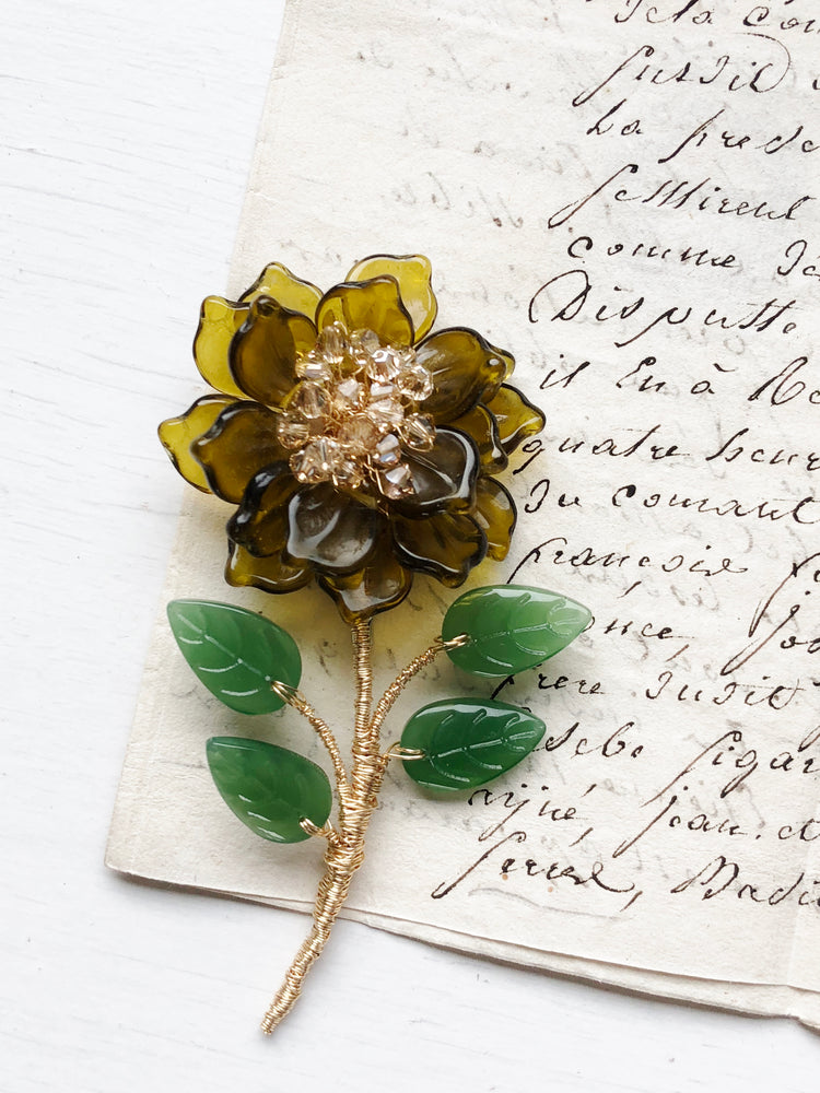Peony stem brooch in vintage tea