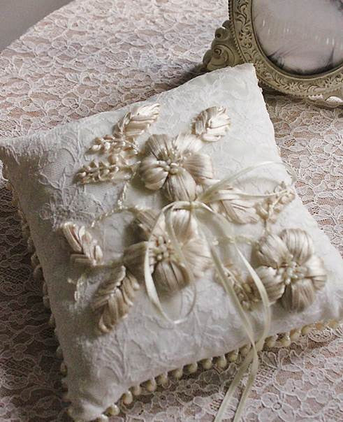 Ribbon Appliques Ring Pillow with Pearl Trimming