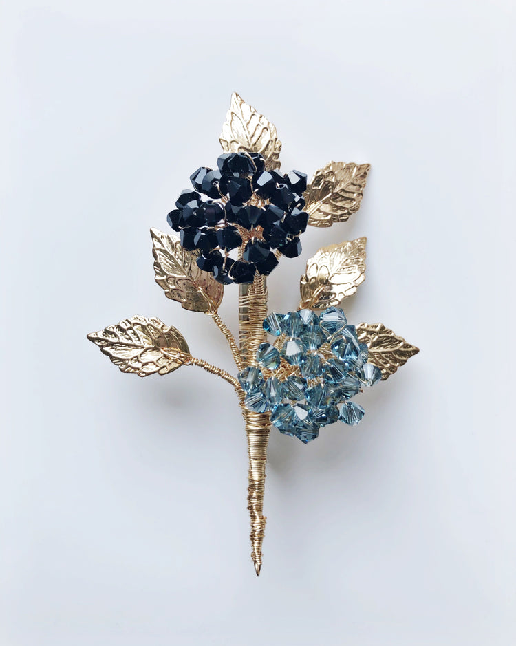 Christmas remembrance hydrangea brooch