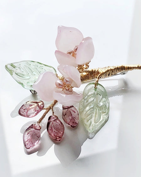 """Thank You"" mini bouquet baby lily brooch in baby pink"