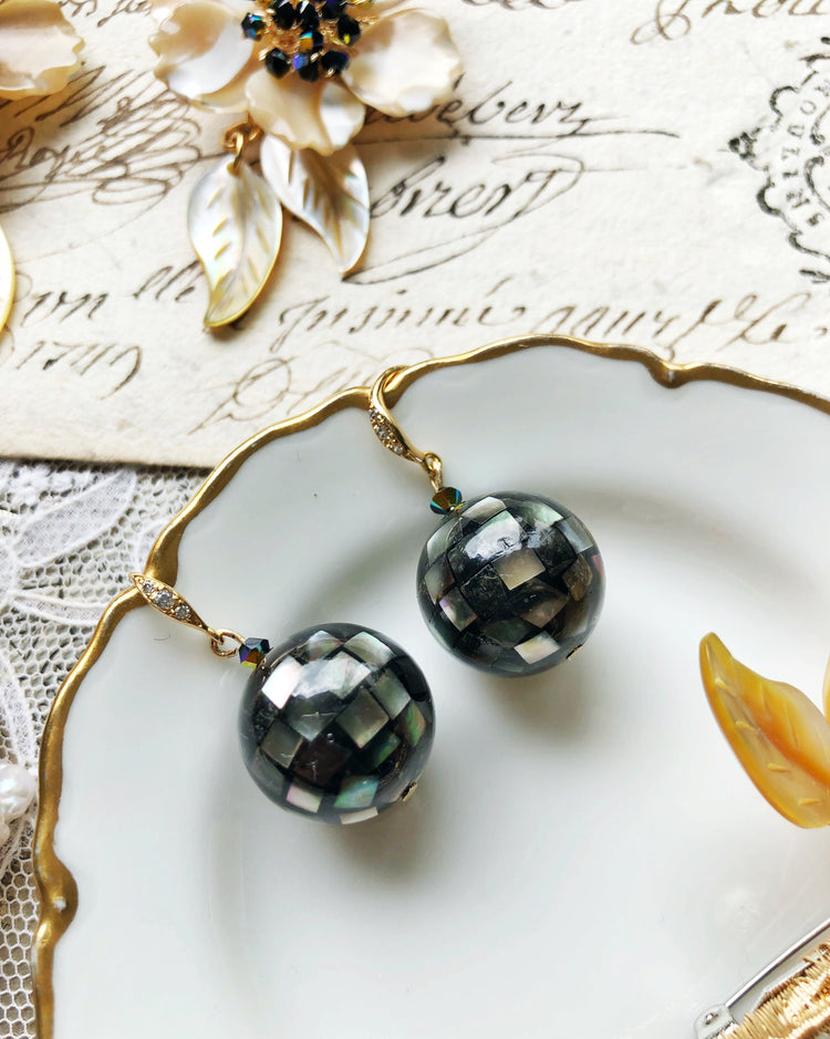 Seashell mosaic bubbles glass beads earrings in black hook style