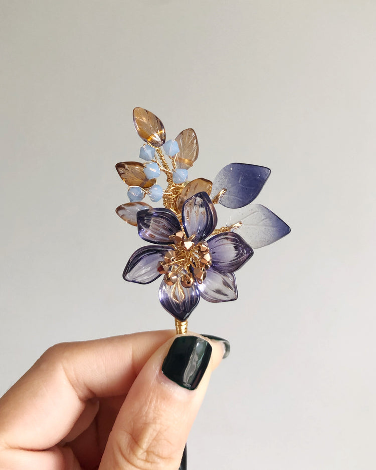 """Thank You"" mini bouquet baby lotus brooch"