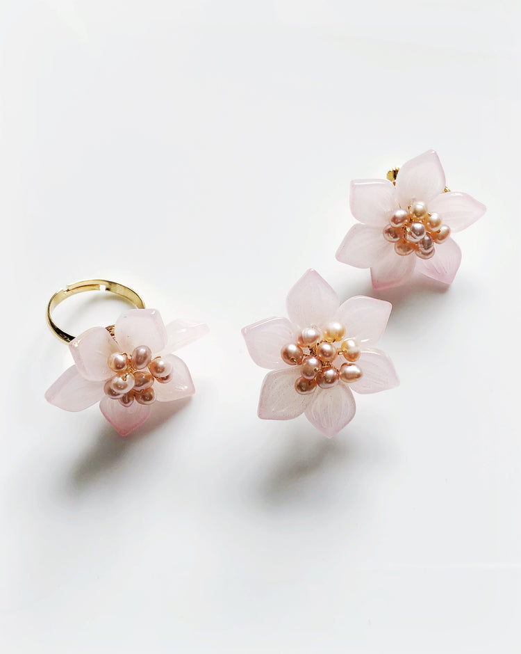Soft pink baby lotus glass and freshwater pearls earrings