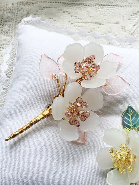 Sakura Ohanami Swarovski crystals and glass brooch in white and pink