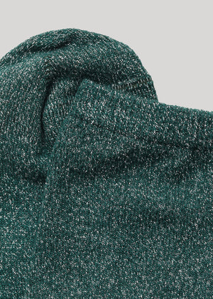 The soft full glitter Mei sock in Green is made in super soft Lenzing Viscose® yarn made with  a 180 needles fine gauge.
