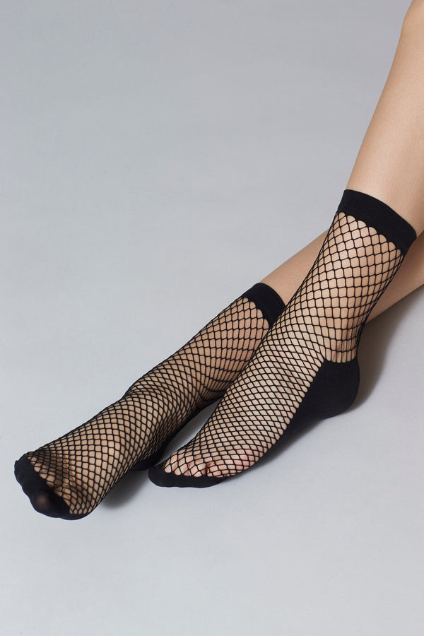 Pinar Fishnet Socks