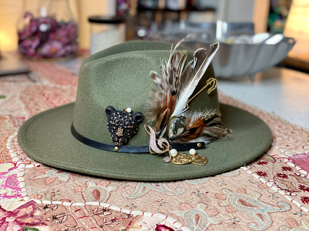 Mad Hatter Roar HAT