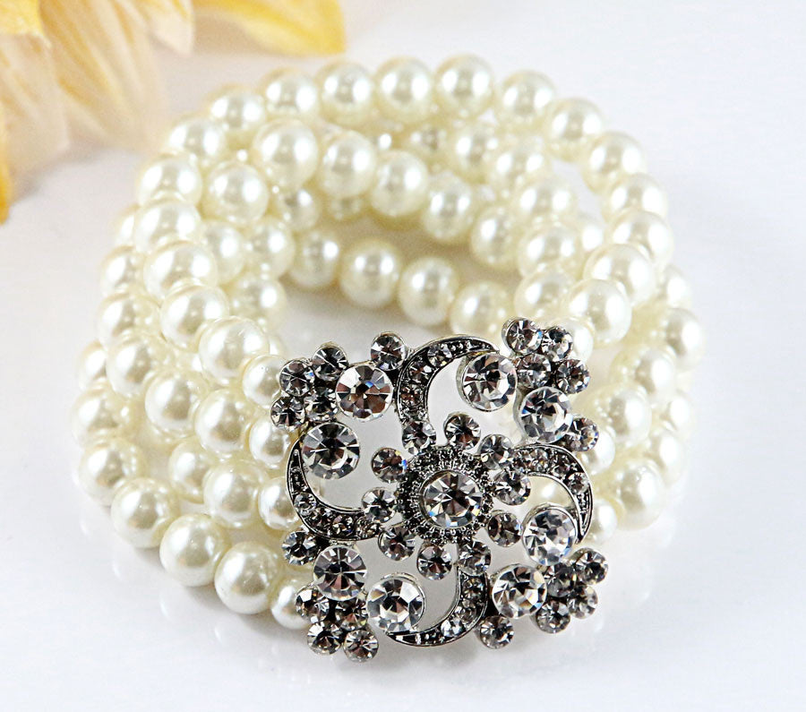 Flower & Pearls Bracelet