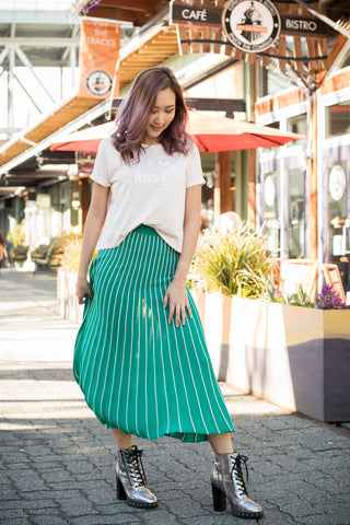 bold-green-skirt