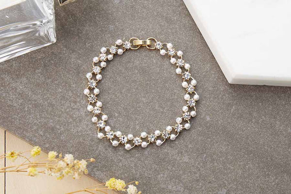Staggered Pearl Bracelet