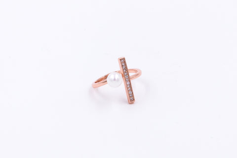 Open Pearl & Vertical Rhinestone Bar Ring