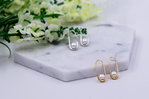 Oval Shape Earring with Pearl