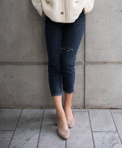 One Slit Tapered Jeans with Belt