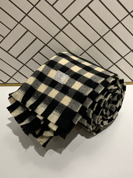 Contrasting Square Checker Scarf
