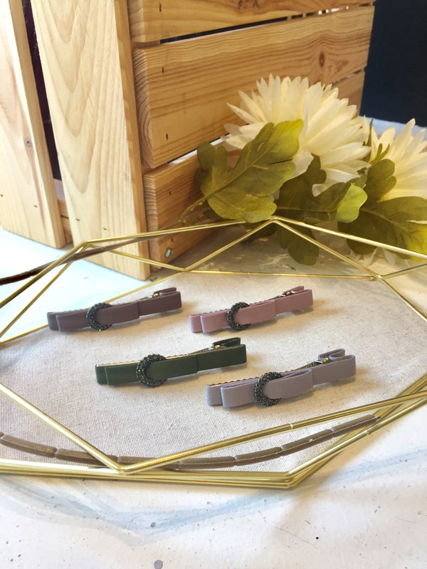 Round Buckle Thin Ribbon Wrap Hair Clip