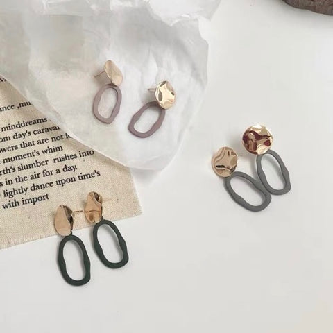 Metal Round and Matte Oval Earrings