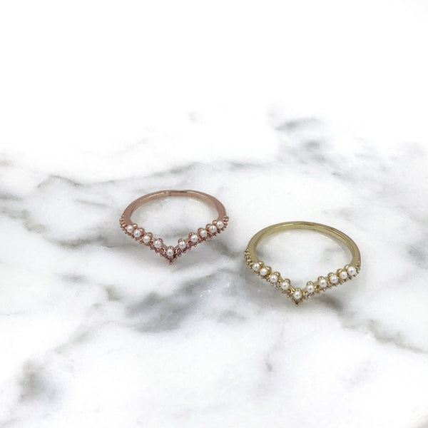 Curved Rhinestones and Pearls Ring