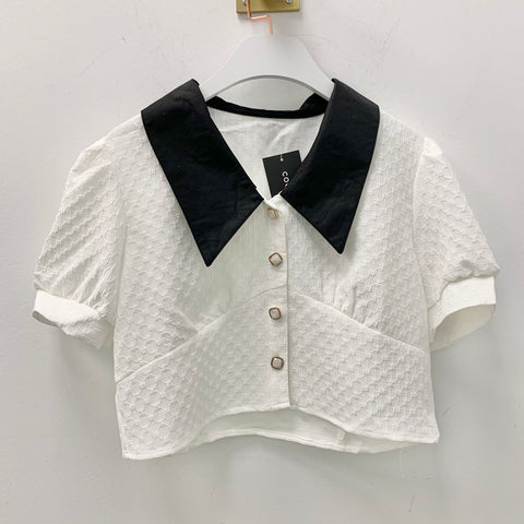 Contrasting Collar Front Buttons Crop Shirt