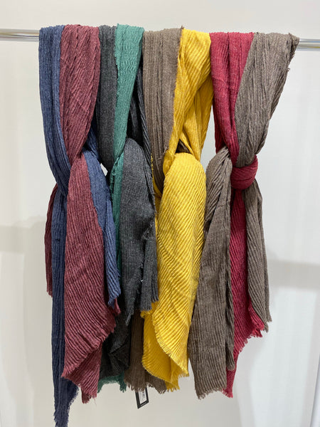 Contrasting Two Colors Pleated Scarf