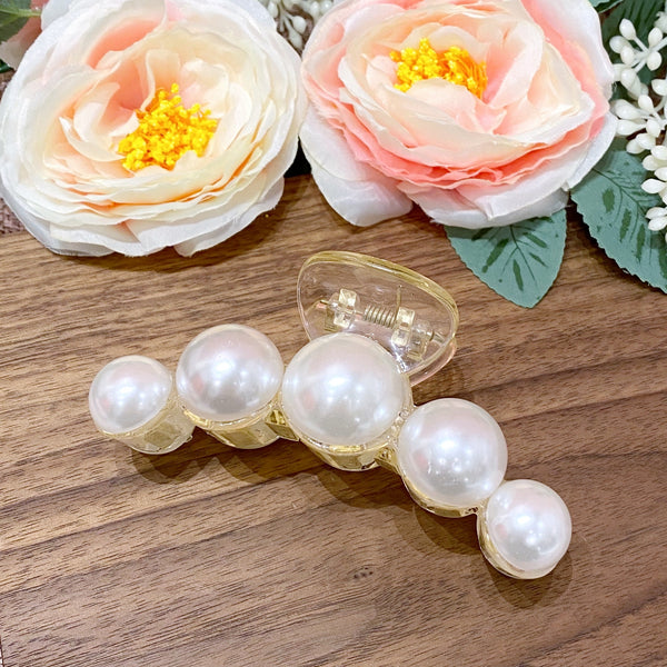 Big Pearls Curved Hair Clip