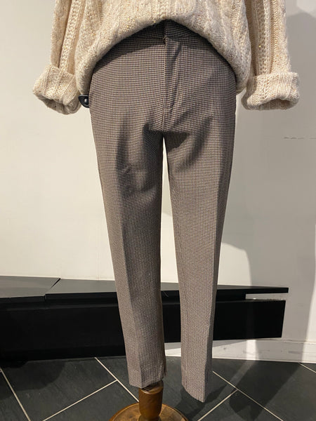 Small Houndstooth Slim Leg Pants