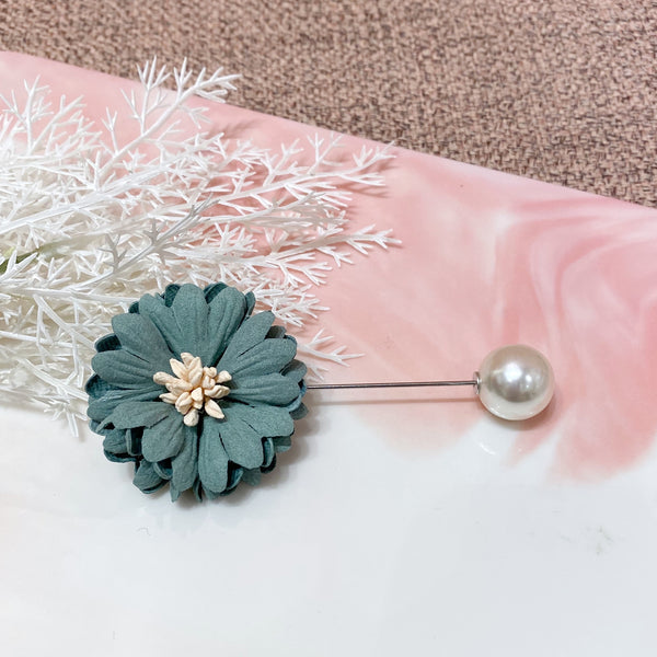 Flower and Pearl Decoration Pin