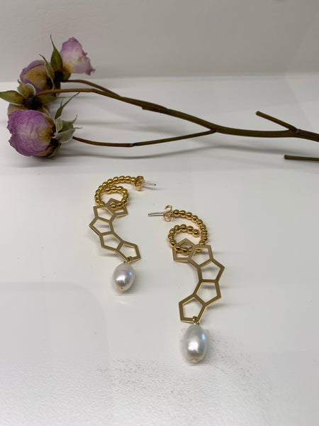 Metal Hex Strap with Pearl Earrings