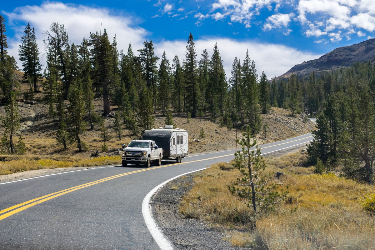 How To Drive Safely with a Trailer: 10 Practical Tips