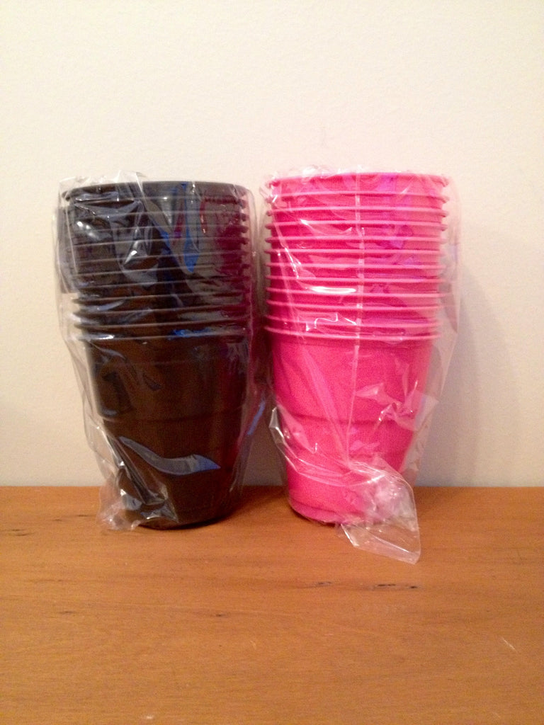 Plastic Cups  Pink/Black (12 Pack)