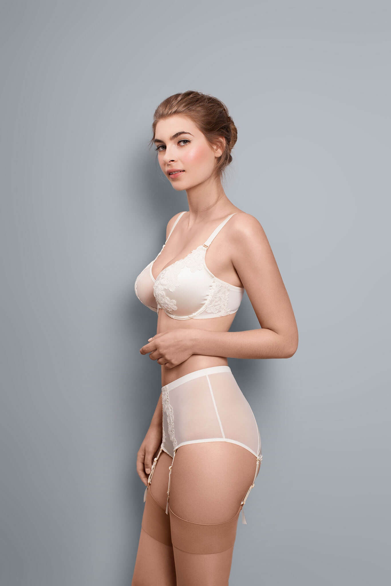 Jess - Swan - Short with Suspender