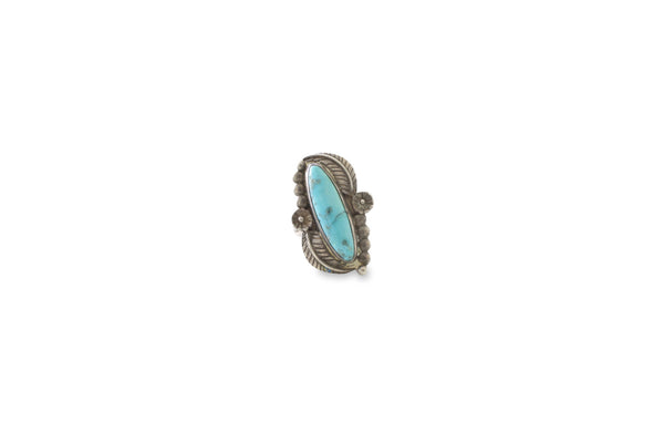 VINTAGE TURQUOISE RING WITH STUNNING BEAD & FEATHER DETAIL