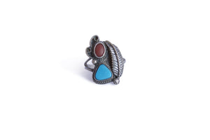 VINTAGE TURQUOISE & CORAL WITH FEATHER DETAIL RING