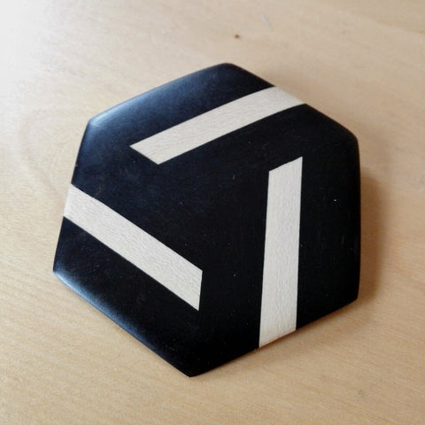 broche hexagonale