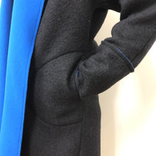 Load image into Gallery viewer, Ewa Cardigan Long Black Blue wool/fleece