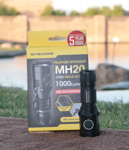 Nitecore MH20 next to Box